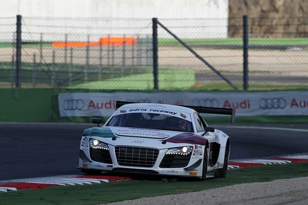Le Audi R8 LMS ultra a Vallelunga puntano ad un weekend in crescendo