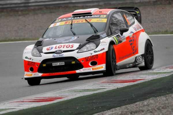 Robert Kubica accende il Monza rally show