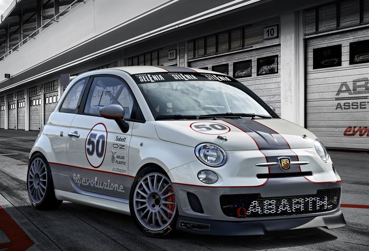 Abarth 695 Assetto Corse Endurance, strepitosa new entry ad Imola.