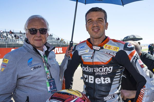 Aragon Alex De Angelis 11 con il Team Iodaracing