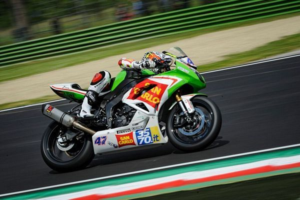 Supersport Positiva Superpole per il San Carlo Team Italia a Donington Park