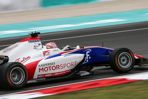 Antonio Fuoco in pole a Sepang con al Dallara Trident Gp3
