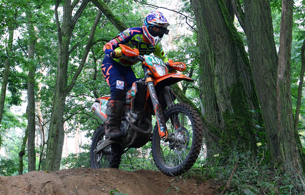 Matteo Pavoni in vetta all'Europeo Enduro