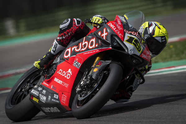 Imola il test privato del team Aruba.it Racing Ducati